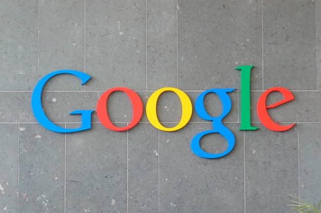 google spolieha aj na solárne elektrárne, snaží sa, aby bol napájaný zo obnoviteľných zdrojov energie