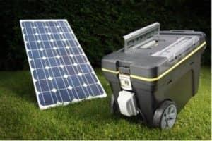 Viacero solárnych zariadení, ako napríklad solárny generátor, dokáže splniť funkciu tradičnejších zariadení lepšie a úspornejšie.