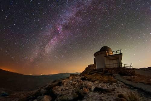 observatorium s nocnou oblohou