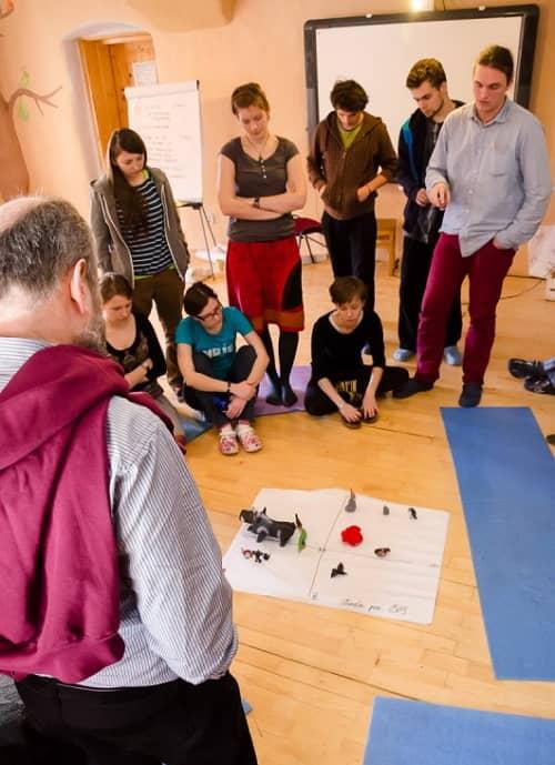Študenti Sokratovho inštitútu počas workshopu v Zaježovej. Zdroj: sokratovinstitut.sk