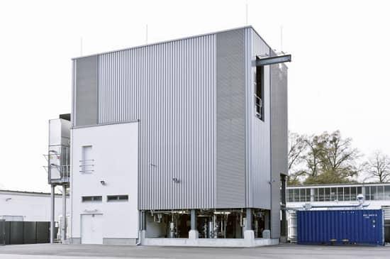 Továreň, v ktorej sa vyrába ekologická nafta e-diesel Blue Crude pre Audi.