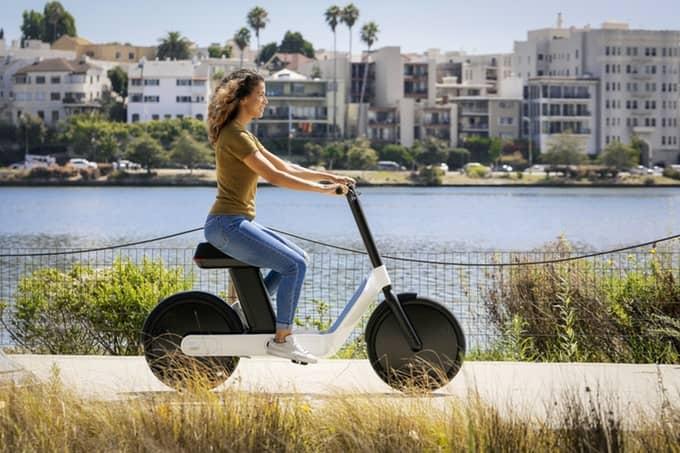 elektrický moped
